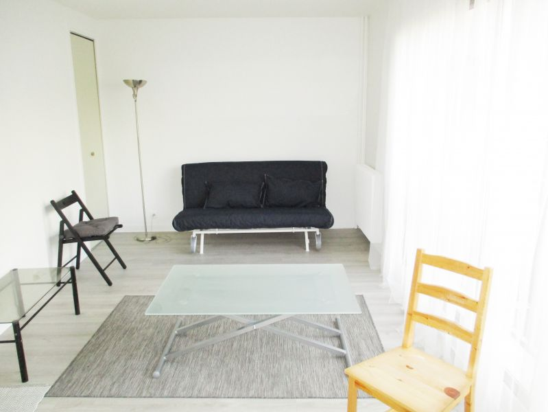 PARIS (75018) RUE DU POTEAU - Studio de 26,49 m²