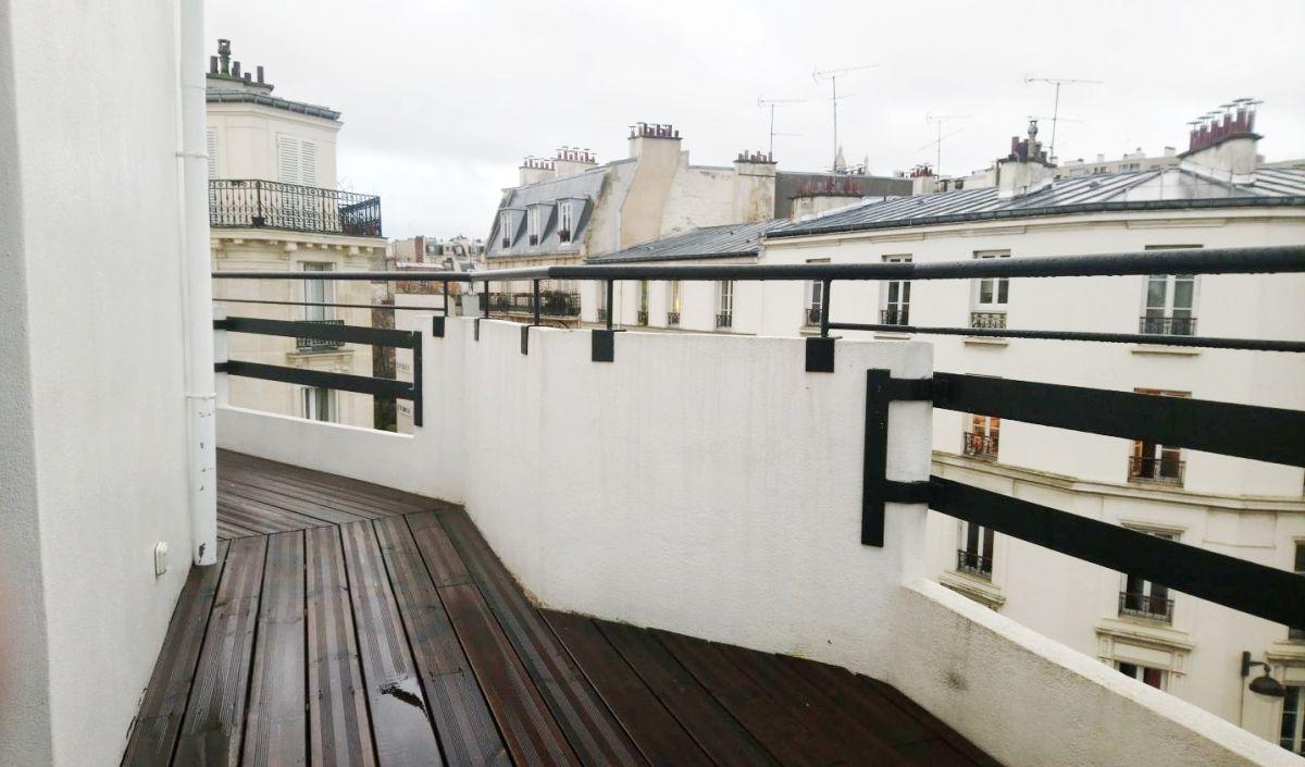 PARIS (75018) A LOUER bien de prestige dupleix de 77m² + balcon filant et toit terrasse