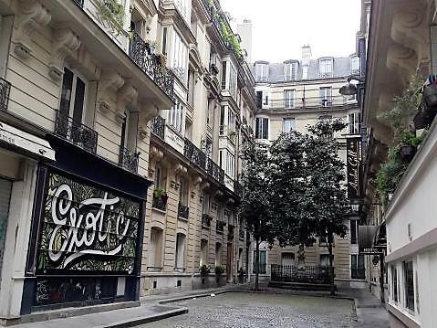 PARIS (75018) - ABBESSES - studio