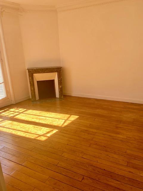 A LOUER PARIS (75015) Appartement 2 pièces 47m2