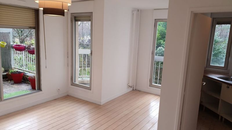 A LOUER PARIS (75014) M° GAITE- 2 PIECES VIDE - 42 m2