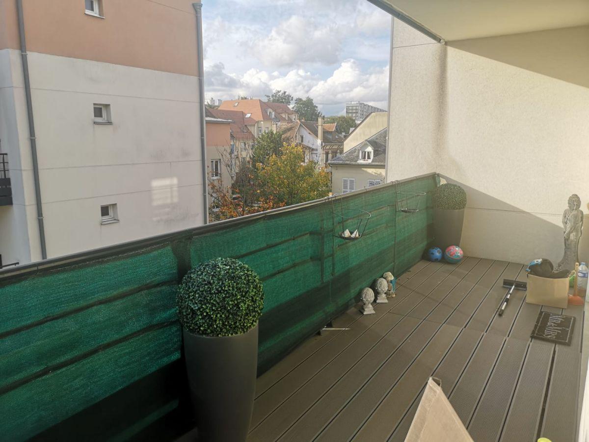 Joli 3 pièces avec terrasse ensoleillé et 2 places de parking