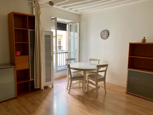 LOCATION PARIS 17ème - Grand studio meublé rue Poncelet