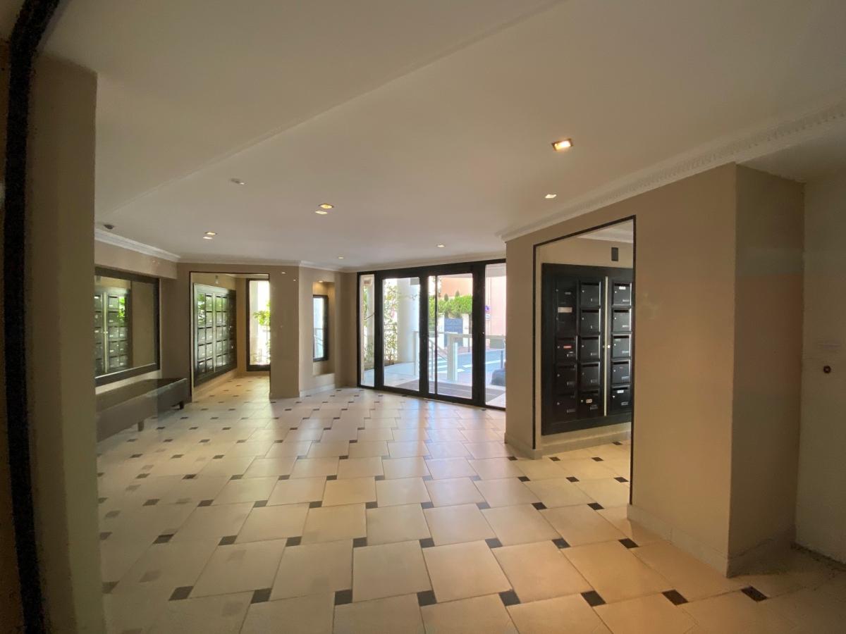 CANNES (06) SAINT NICOLAS - appartement duplex 3 pièces, vue panoramique, dernier étage